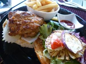 Sumptuous chicken burger